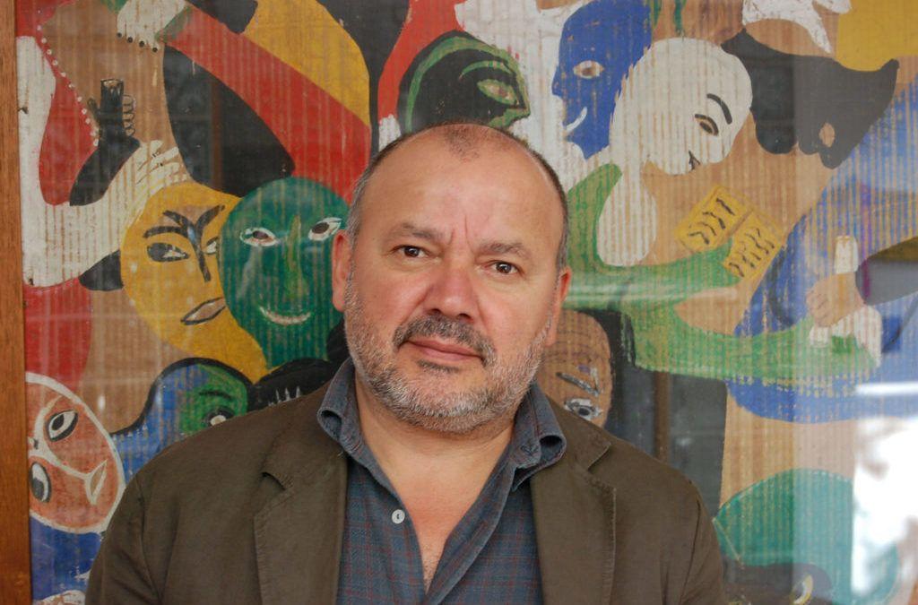 """Horacio Salinas, compositor de Inti-Illimani Histórico, toma la batuta de la Orquesta Clásica Usach: """"Es un honor por primera vez dirigir a tantos músicos"""""""