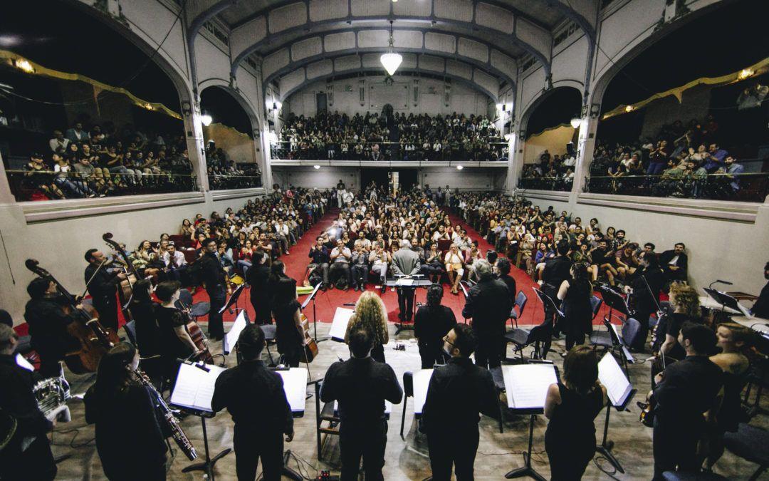 """Velada mágica vivió la Orquesta Clásica Usach con musicalización en vivo de """"El húsar de la muerte"""""""