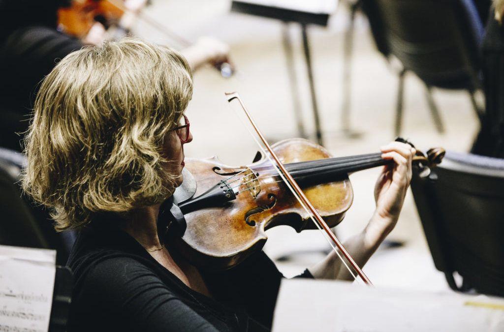 Orquesta Clásica Usach abre cargo de fila para II violín